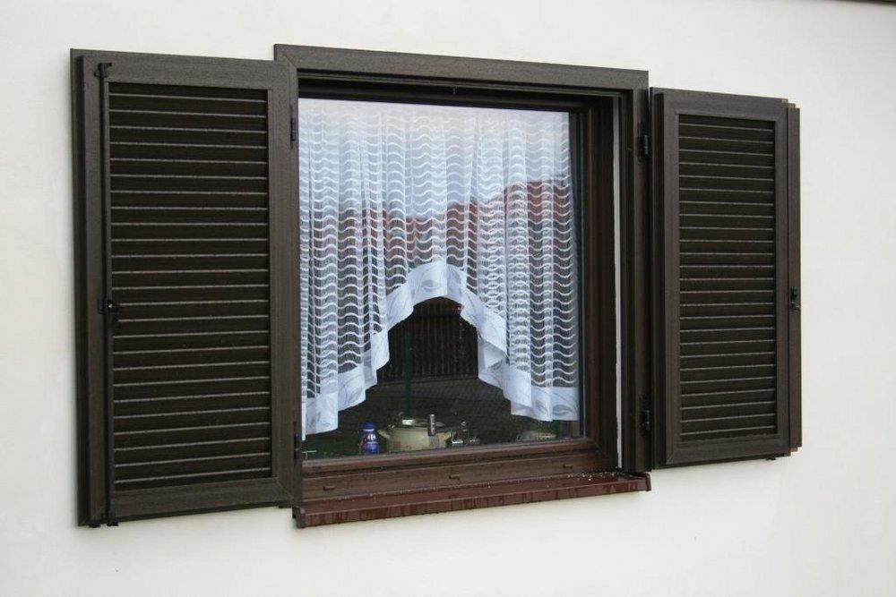 okiennice z pvc alternatywa dla tradycji. Black Bedroom Furniture Sets. Home Design Ideas